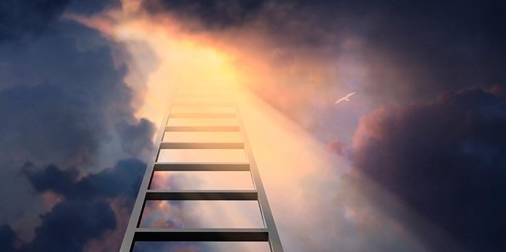 7 dīvainas lietas, ko pēc nāves var izdarīt ar cilvēka ķermeni; kļūsti par dimantu vai izgaismo naksnīgās debesis!
