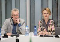 Deputāti ar Īrijas valsts ministri Eiropas lietās pārrunā diasporas interešu aizstāvību pēc Brexit
