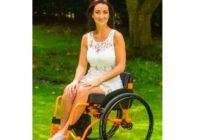 Vīrs pameta paralizēto sievu pēc insulta. Viņa nepadevās un mainīja savu dzīvi.