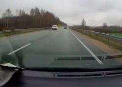 VIDEO: Kāds autovadītājs par mata tiesu izglābjas no nelaimes ( Filmējot pilnīgi trīcēja rokas)